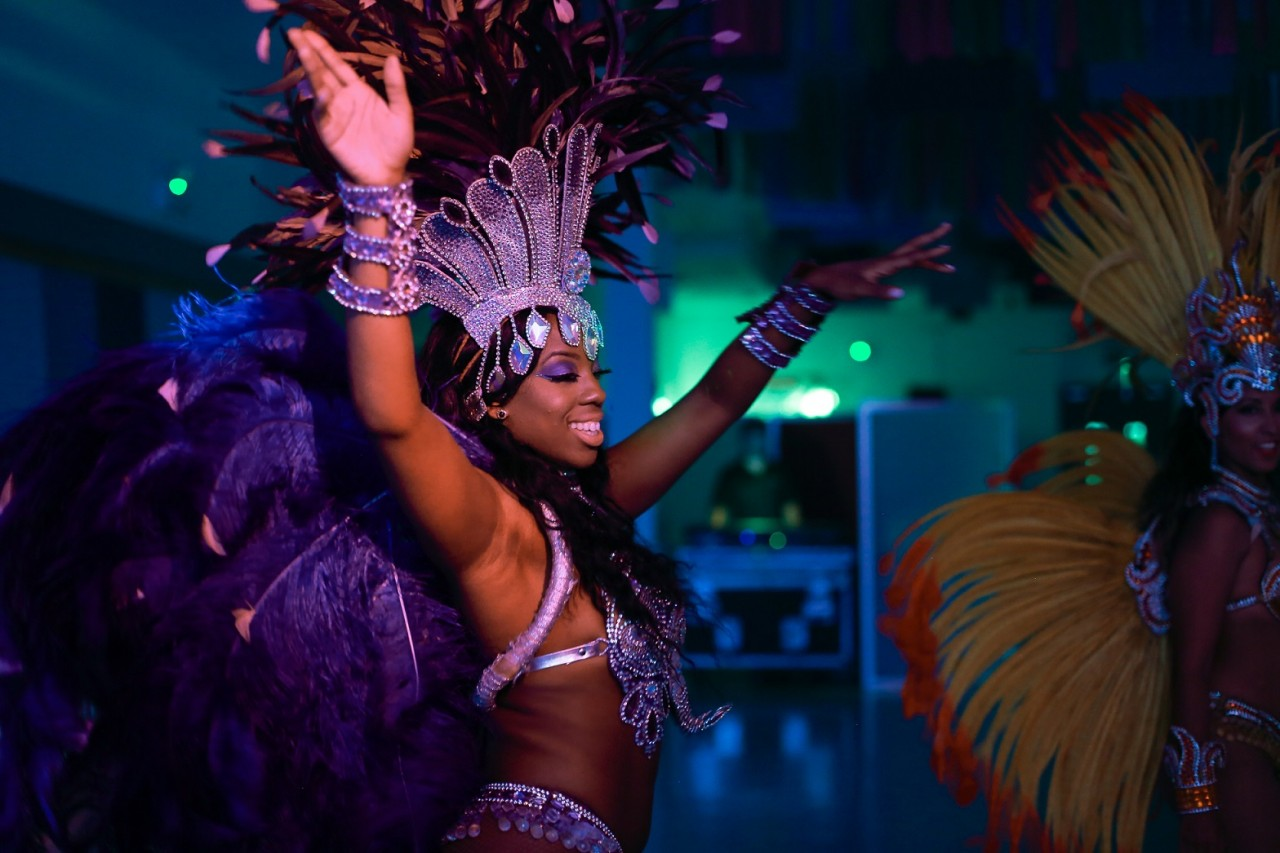 The best entertainment for carnival themed events